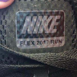 Nike Shoes - Women's Nike Flex Run 2017